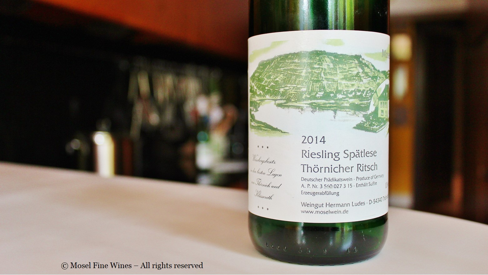 Wine from the thorn without yeast - tasty and unusual